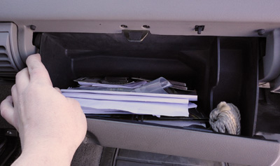 glove box removal